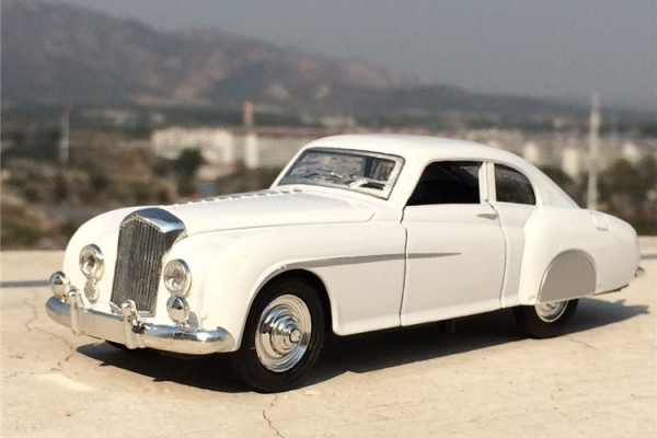 1953 Bentley R-type Continental 1:32 Hãng khác