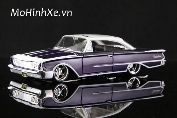 1960 Ford Starliner 1:24 Maisto