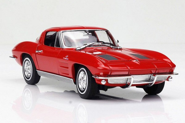 1963 Chevrolet Corvette Sting Ray 1:24 Welly-FX