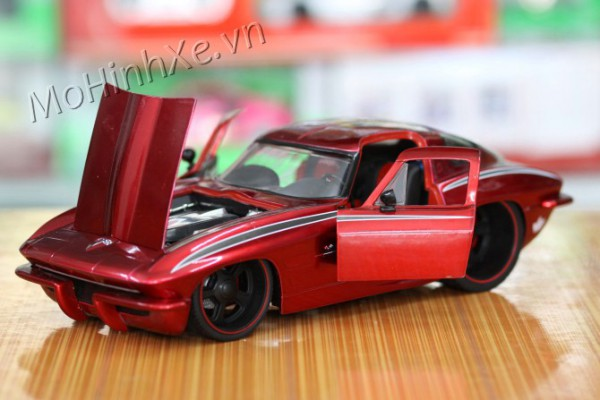 1963 Chevy Corvette Sting Ray 1:18 Jada