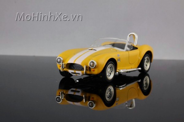 1965 Shelby Cobra 1:32 MZ