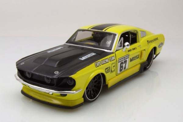 1967 Ford Mustang GT 1:24 Maisto