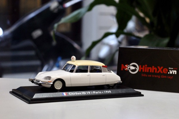 1968 Citroen ID19 - Taxi - Paris 1:43 LEO