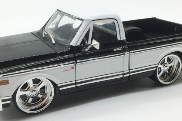 1972 Chevrolet Cheyenne Pickup 1:24 Jada