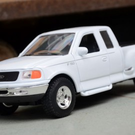 1999 Ford F-150 Flareside Supercab Pick Up 1:24 Welly
