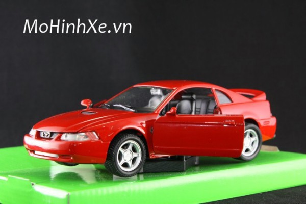 1999 Ford Mustang GT 1:24 Welly