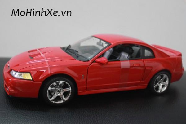 Ford SVT Cobra 2003 1:18 Maisto