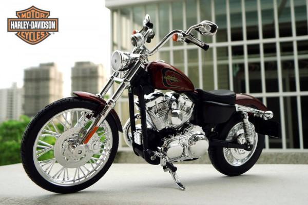 2012 Harley-Davidson XL 1200V Seventy-Two 1:12 Maisto