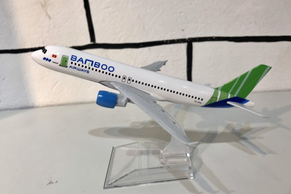 Airbus A320 Bamboo Airways 1:400 Aircraft Model
