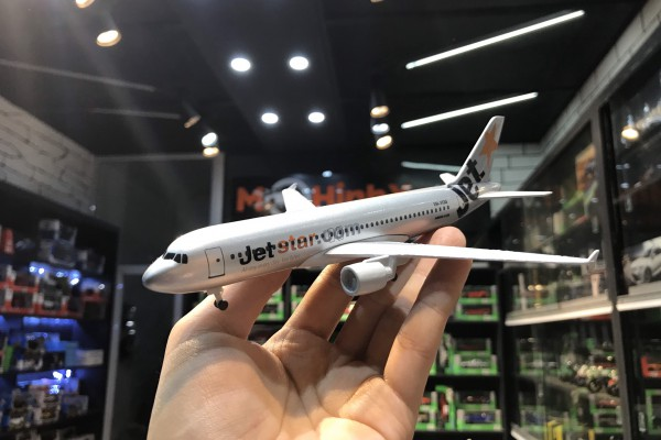 Airbus A320 JetStar 1:200 Aircraft Model