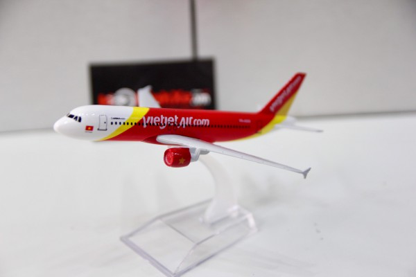 Airbus A320 Vietjet Air 1:400 Aircraft Model