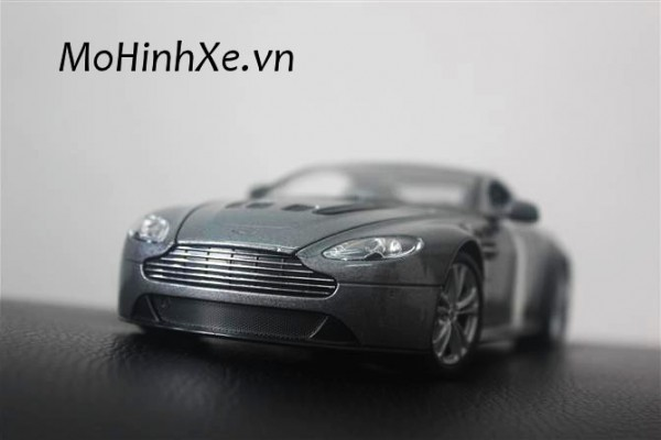 Aston Martin V12 Vantage 1:24 Welly
