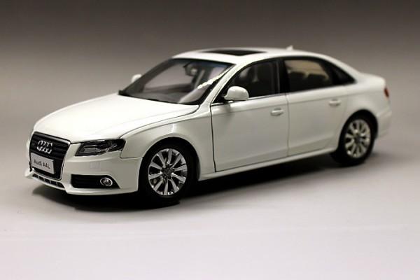 Audi A4L 1:18 Paudi