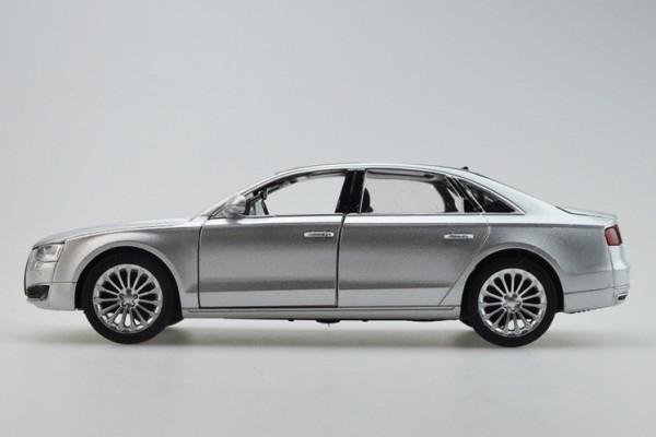 Audi A8 1:32 Sheng Hui