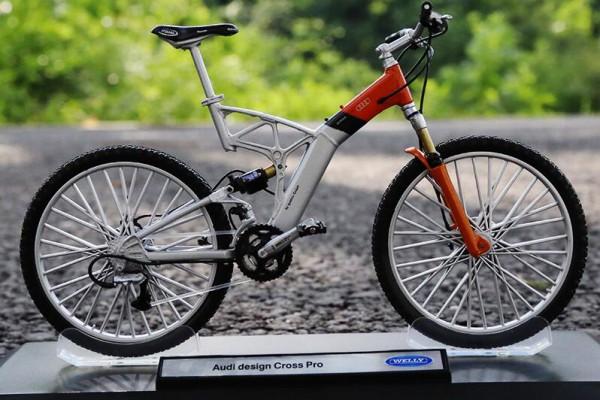 Mô hình xe đạp Audi design Cross Pro 1:10 Welly