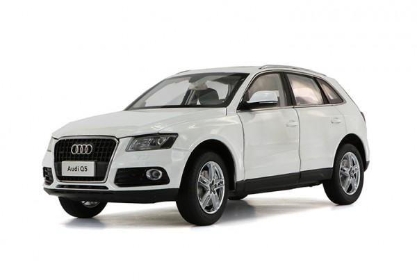 Audi Q5 1:18 Paudi