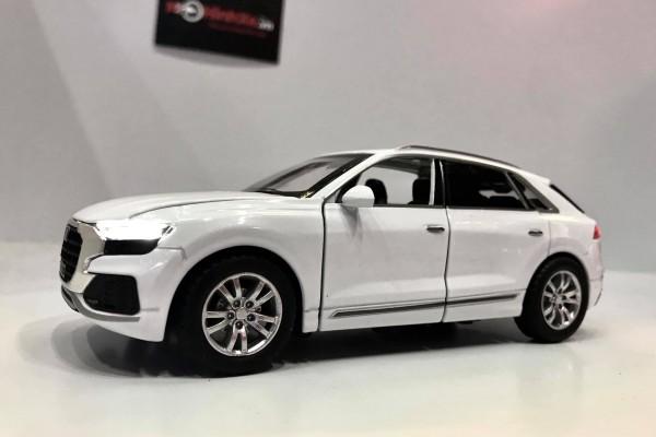 Audi Q8 1:32 Hãng Khác
