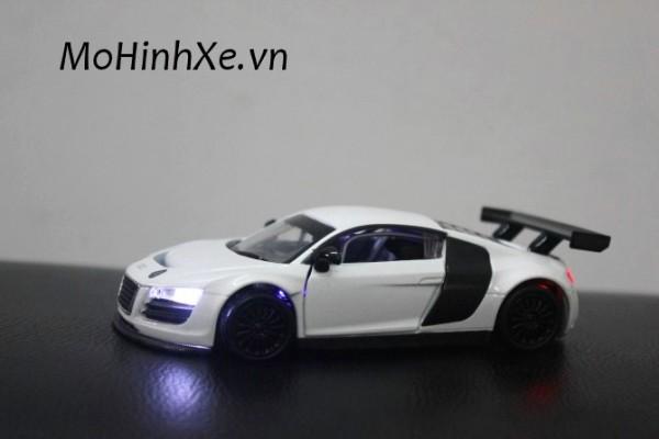 Audi R8 LMS 1:32 Uni-Fortune