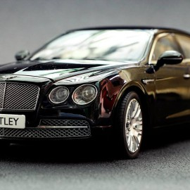 Bentley Flying Spur W12 1:18 Kyosho