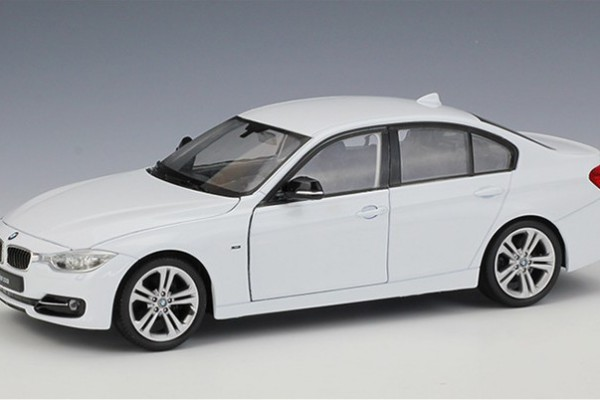 BMW 335i 1:24 Welly-FX