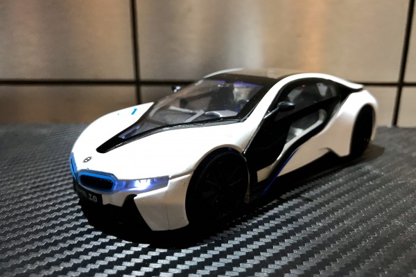 BMW i8 1:32 Alloy Metal