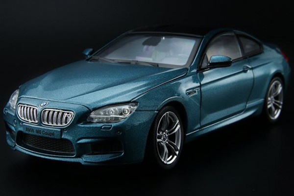BMW M6 Coupe 1:24 Double Horses