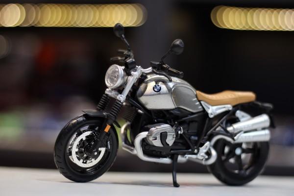 BMW R Nine T Scrambler 1:12Maisto