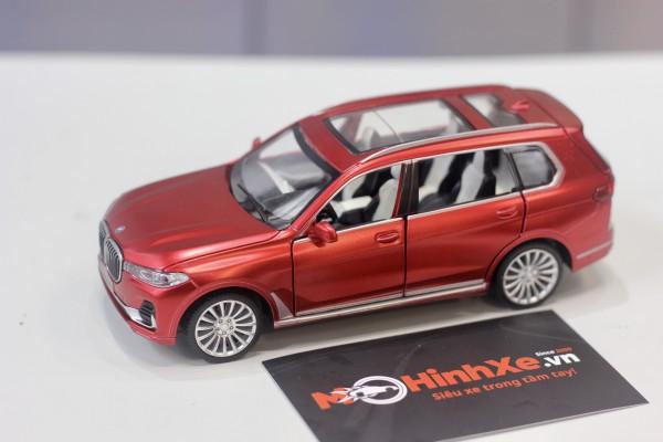 BMW X7 1:32 MSZ