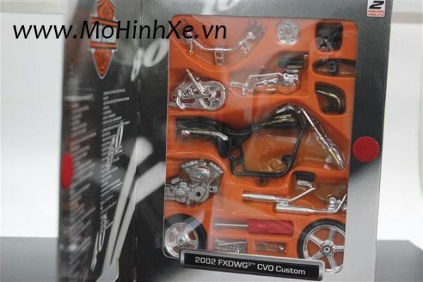 Bộ KIT Lắp ghép 2002 Harley-Davidson FXDWG CVO Custom 1:18 Maisto