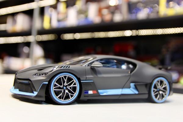Bugatti Divo 1:18 Bburago