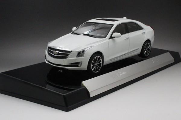 Cadillac ATS-L 1:18 Dealer