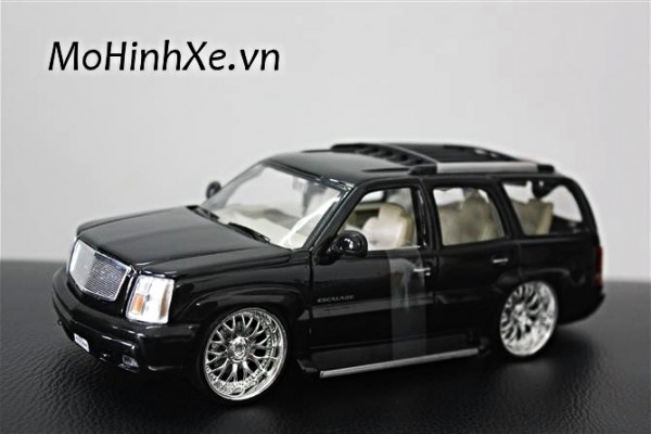 Cadillac Escalade 2002 1:24 Welly
