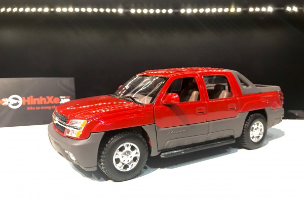 Chevrolet Avalanche 2002 1:24 Welly
