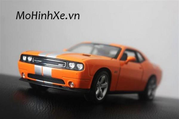 Dodge Challenger SRT8 1:24 Welly