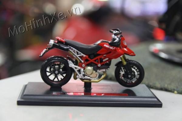 Ducati Hypermotard 1100S 1:18 Maisto