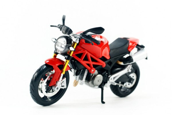 Ducati Monster 696 1:12 Maisto