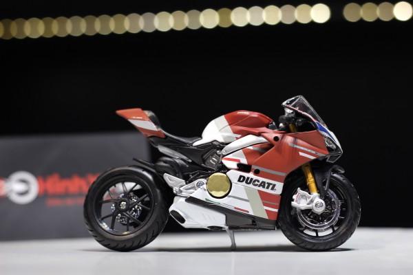 Ducati Panigale V4 S Corse 1:18 Maisto