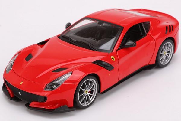 Ferrari F12tdf 1:24 Bburago
