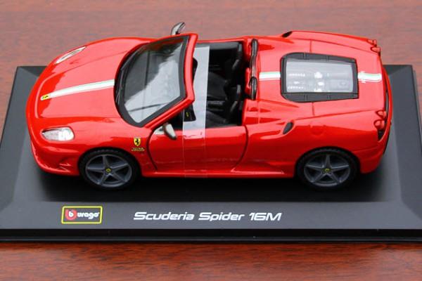 Ferrari Scuderia Spider 16M 1:32 Bburago