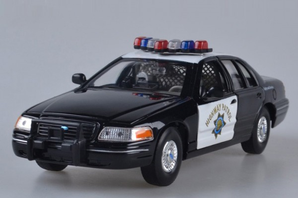 Ford Crestline Victoria Police 1:24 Welly