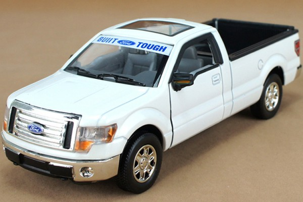 Ford F-150 Built Tough 1:32 Uni-Fortune