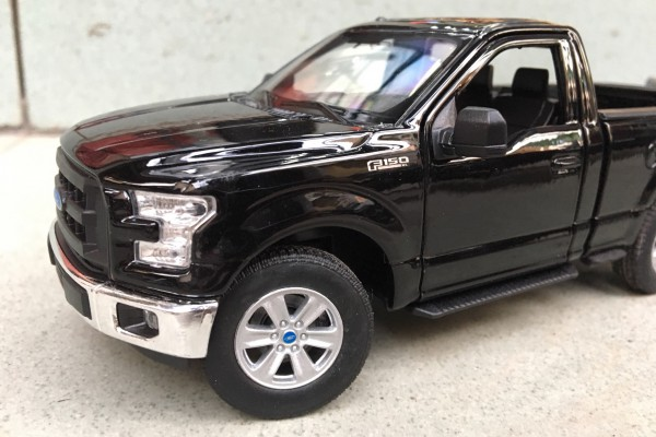 Ford F-150 Regular Cab 2015 1:24 Welly-FX