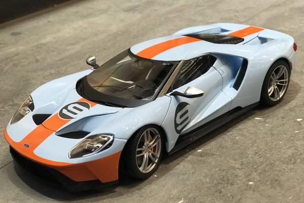 Ford GT 2017 Gulf 1:18 Maisto Exclusive