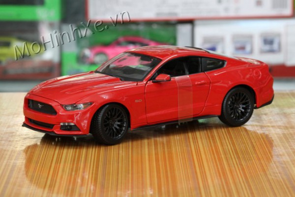 Ford Mustang 2015 1:18 Maisto