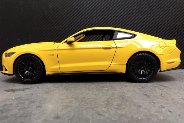 Ford Mustang GT 2015 1:18 Maisto
