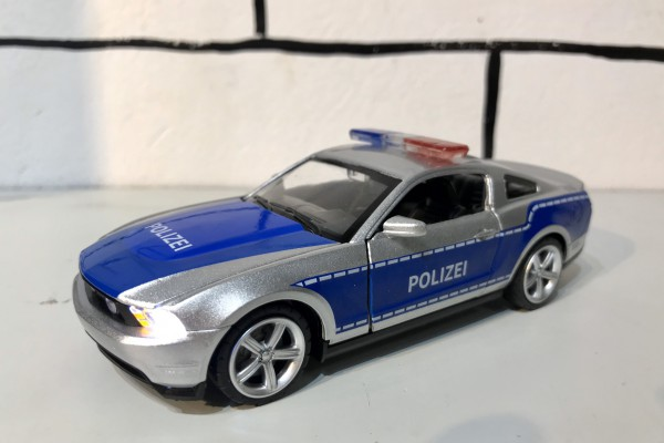 Ford Mustang GT Polizei 1:32 MSZ