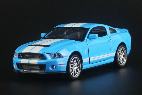 Ford Shelby GT-500 1:32 MZ