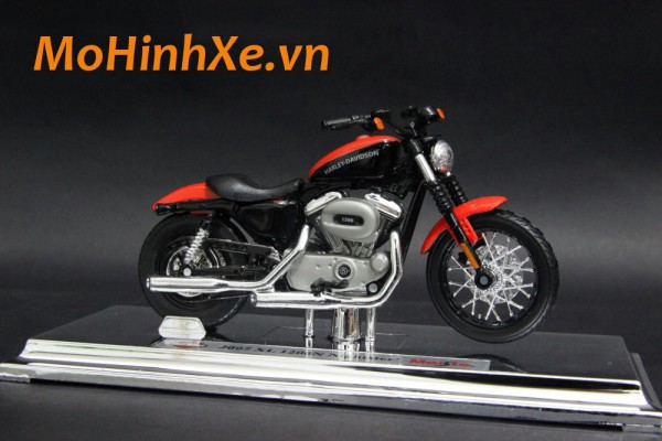 Harley-Davidson XL 1200N Nightster 2007 1:18 Maisto