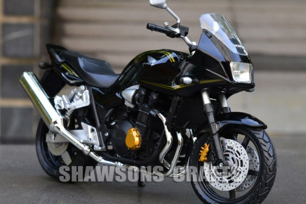 Honda CB1300SB 1:12 JoyCity