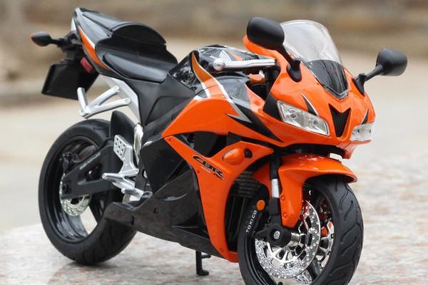 Honda CBR600RR 1:9 Rastar